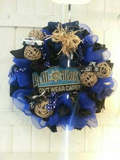 Thin Blue Line wreath... OMG I love this! May have to make ...