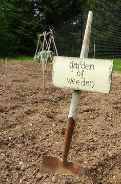 Creative & Funny Garden Sign Ideas For 2019 - Diy Garden Decor İdeas Garden Junk, Diy Garden, Garden Crafts, Dream Garden, Garden Projects, Garden Landscaping, Garden Tools, Garden Ideas, Garden Whimsy