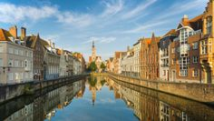 Zin in een stedentripje? Wat dacht je van een bezoekje aan onze zuiderburen? België heeft heel veel leuke steden waar het goed vertoeven is, met cultuur op iedere hoek, lekker eten en heel veel shopgelegenheden. PlusOnline en Zoover hebben de top 3 van leukste Belgische steden voor je op een rijtje gezet.
