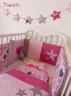 Ensemble original tour de lit et gigoteuse 0-6 mois gris , rose et fuchsia, rayures , étoile