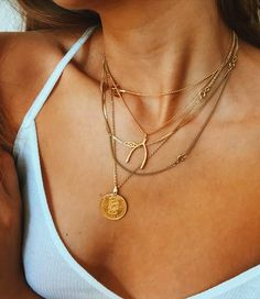 Search for gold layered necklace at ASOS. Shop from over styles, including gold layered necklace. Discover the latest women's and men's fashion online Jewelry Gifts, Gold Jewelry, Jewelry Box, Jewelry Accessories, Fashion Accessories, Jewelry Necklaces, Heart Necklaces, Jewelry Armoire, Jewelry Trends