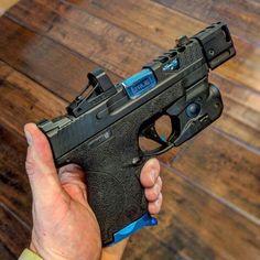 Weapons Guns, Guns And Ammo, M&p Shield 9mm, Apocalypse, Tactical Pistol, Custom Guns, Military Guns, Hunting Rifles, Armada