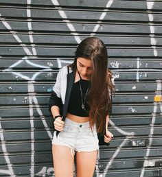 Poses para no pasar desapercibida - Ideas para fotos Poses For Photos, Picture Poses, Photo Poses, Girl Photos, Tumblr Photography, Portrait Photography, Tmblr Girl, Foto Casual, Instagram Pose
