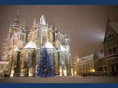 Prague in winter is such a beautiful city. So quiet. The Places Youll Go, Places To See, Prague Winter, Christmas Travel, Amazing Buildings, Famous Places, Most Beautiful Cities, Czech Republic, Dream Vacations