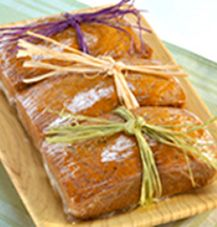 These spicy Carrot Cake Mini Loaves from C® Sugar are perfect for gift giving. One recipe makes 6 mini loaves! Try the recipe today!