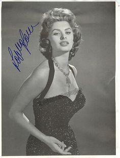 Loren, Sophia - Signed Photo | Tamino Autographs, Musical, Performance & Theatre Memorabilia & Gifts