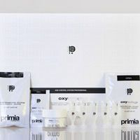 Oxyrevitage Home Product; Oxyrevitage Age Control System. http://www.primiacosmetici.it/domiciliari/
