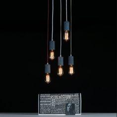 Betonowa lampa Kalla świetnie prezentuje się w grupie lamp z tej samej serii. http://blowupdesign.pl/pl/lampy-betonowe-gipsowe-industrialne-loft-design/2066-personalizowana-lampa-wiszaca-z-betonu-kalla-dodatkowe-oswietlenie-wnetrz.html #pendantlamps #hanginglamps #loftlight #lighting #loft #industrialinterior #lightingstore #modernlighting #lamps #concrete #concretelamps #lamps #lampazbetonu #lampaloft