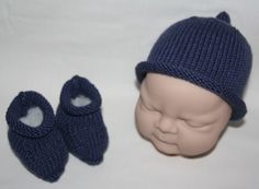 Supersoft Merino Cashmere baby beanie hat and booties in Denim Blue - £22.99