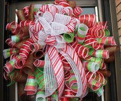 Deco Mesh Wreath Ideas Deco Mesh Wreath How To Deco-mesh wreath ideas chri Deco Mesh Wreaths, Holiday Wreaths, Holiday Crafts, Christmas Decorations, Holiday Decorating, Winter Wreaths, Christmas Ornaments, Wreath Crafts, Diy Wreath