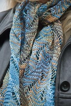 Undulating Waves Pattern by Craftsy instructor Laura Nelkin