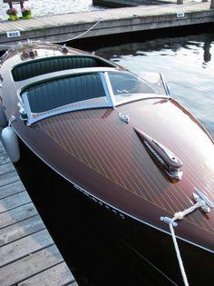 Riva boot. Ook op het water zijn de Italianen de nr.1 in design!