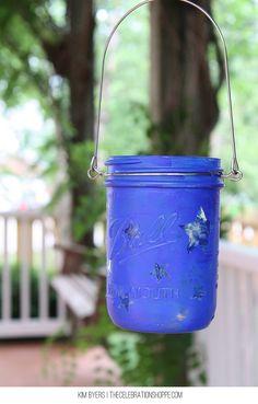 How To Make Mason Jar Luminaries for 4th of July | @kimbyers @joann_stores