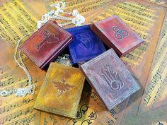 «Whoa, whoa, whoa! Regardez la magie!» ―Hold garde ° º¤ø, ¸¸, ø¤º ° «° º¤ø, ¸¸, ø¤º °» ° º¤ø, ¸¸, ø¤º ° «° º¤ø, ¸¸, ø¤º °» ° º¤ø, ¸¸, ø¤º ° ➟ A beau et souple accessoire pour toute l'année ➟ A bon choix comme un cadeau pour vos amis fan de Elder Scrolls ou Skyrim. ➟