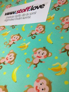 Lustige Affen mit Bananen Stoff bei www.stoff.love in jeder Wunschfarbe. In Deutschland hergestellt. Starter Set, Snoopy, Pattern, Fictional Characters, Funny Monkeys, Cotton Textile, Fruit, Germany, Patterns
