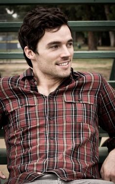 Ian Harding Pretty Little Liars