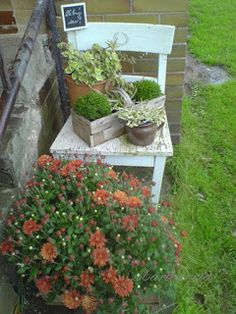 Marionneta: Proměny... Yard Art, Curb Appeal, Porch, Patio, Plants, Balcony, Garden Art, Plant, Sunrooms