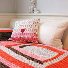 Ravelry: Log cabin spread pattern by Anna & Heidi Pickles