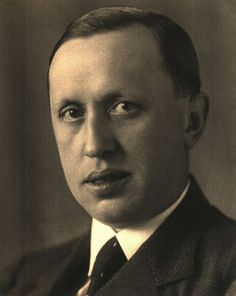 Karel Čapek, Czech Writer who created the word Robot Reading Notes, Political Satire, Alma Mater, Read News, Science Fiction, Literature, How To Memorize Things, Author, Guys