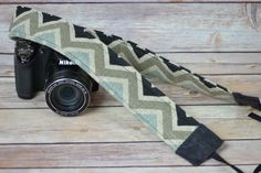 Camera Strap, narrow / padded with foam, Black, natural, linen Darby Mack / dslr gear / photography equipment /chevron stripe