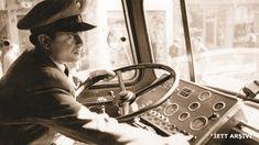 """1960 - Başrollerini Ayhan Işık ve Türkan Şoray-ın paylaştığı """"Otobüs Yolcuları"""" filminde rol alan İETT şöförü"""