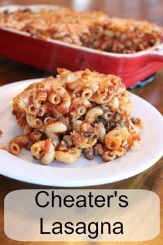 Cheater's lasagna … What's for dinner? My simple recipe that has all the pasta, sauce, cheese and flavor of lasagna but a fraction of the work. Very kid friendly! Use healthier noodles too! Yummy Pasta Recipes, Beef Recipes, Great Recipes, Dinner Recipes, Cooking Recipes, Yummy Food, Favorite Recipes, Dinner Ideas, Casserole Recipes