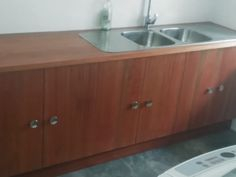 Kitchen Cupboards, Carpentry, Sink, Home Decor, Kitchen Cabinets, Sink Tops, Woodworking, Vessel Sink, Decoration Home