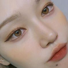 korean makeup – Hair and beauty tips, tricks and tutorials Soft Makeup, Kiss Makeup, Cute Makeup, Makeup Art, Beauty Makeup, Makeup Style, Makeup Tips, Korean Natural Makeup, Korean Makeup Look