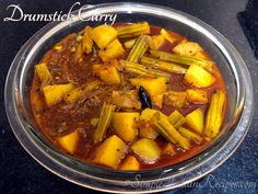 Vegetarian Gravy, Vegetarian Recipes, Easy Indian Recipes, Ethnic Recipes, Maharashtrian Recipes, Red Chili Powder, Fresh Coriander, Pot Roast, Carne Asada