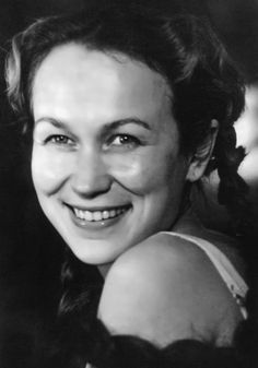 Maya Bulgakova was a Russian and Soviet theater and film actress, People's Artist of the RSFSR In 1955 she graduated from the State Institute of Cinematography. The actress made her debut in the film Freeman by Grigory Roshal. Cinema Actress, She Movie, Cinematography, Maya, Actresses, People, Movies, Cinema, Woman