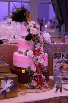 Table Decorations, Cake, Home Decor, Pie Cake, Homemade Home Decor, Cakes, Cookies, Decoration Home, Cheeseburger Paradise Pie
