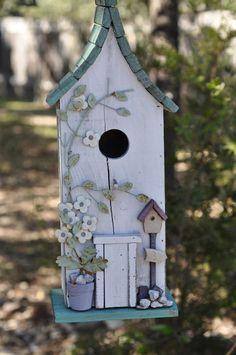 casa de passarinho. what a beautiful birdbox. #homesfornature.