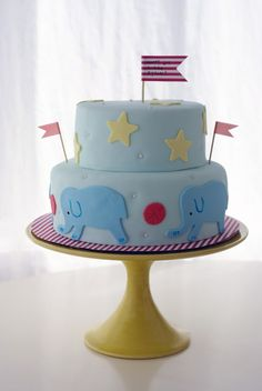 Coco Cake Land : Circus Party Cake! A very sweet and simple circus cake. CUTE!