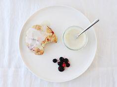 Zomerfruit scones met Limoen Glaze