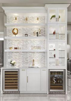White Bar Cabinet, Built In Bar Cabinet, Modern Bar Cabinet, Home Bar Rooms, Home Bar Areas, Home Wet Bar, Bars For Home, Wet Bar Designs, Modern Home Bar Designs