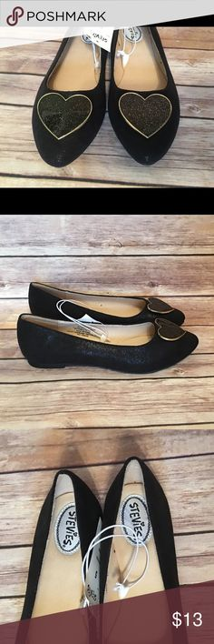 NWT! Stevies Girls' #DRESSUP Patent Ballet Flats 5 Brand new with tags! Stevies by Steve Madden Girls' #DRESSUP Heart Patent Ballet Flats size 5. Features a cute gold trimmed metal heart on the toe. Stevies Shoes Dress Shoes
