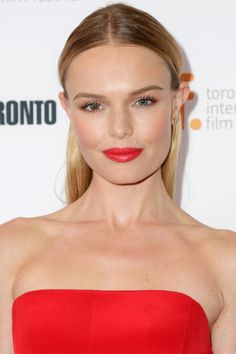 How to get Kate Bosworth's middle part look and more, here: