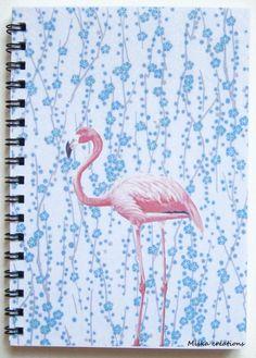 """carnet spiralé, série """"les oiseaux"""". Motifs fleurs et flamand rose."""