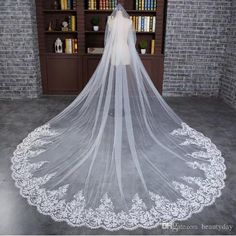 2018 Cathedral Veil For Wedding Dress Bridal Gown Lace Edge Soft Tulle Cut Edge White Ivory Tulle One Layer With Comb 3 Meters