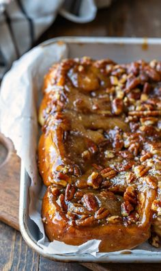 Sticky Buns Easy homemade sticky buns start with a simple homemade dough and are topped with a rich, sticky nut topping. Easy homemade sticky buns start with a simple homemade dough and are topped with a rich, sticky nut topping. Pecan Sticky Buns, Sticky Rolls, Pecan Rolls, Pecan Cinnamon Rolls, Brunch Recipes, Breakfast Recipes, Breakfast Dessert, Perfect Breakfast, Cinnamon Bun Recipe