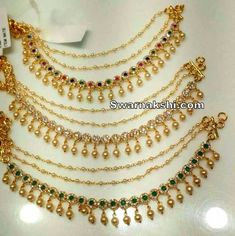 From massive declaration groups to actually straitlaced cords and single to really dual strands, girls' anklets are available in many varieties. Gold Jhumka Earrings, Jewelry Design Earrings, Gold Earrings Designs, Fashion Earrings, Fashion Jewelry, Head Chain Jewelry, Ear Jewelry, Bridal Jewelry, Gold Jewelry