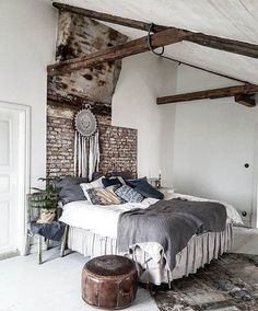 Rustic interior design style is appropriate for country houses but also great idea for modern flats in the city. In rustic style dominate natural materials like stone and wood, cotton, leather, wool . Rustic Design, Rustic Style, Rustic Decor, Country Decor, Interior Decorating, Interior Design, Interior Paint, Bathroom Layout, Dream Bathrooms
