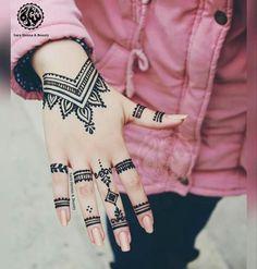 Henna tattoo ideen Henna Designs Henna Designs Impression Well Maid: The Importance of Henna Tattoo Designs, Cute Henna Designs, Small Henna Tattoos, Finger Henna Designs, Simple Henna Tattoo, Mehndi Designs For Fingers, Beautiful Henna Designs, Latest Mehndi Designs, Hand Tattoos