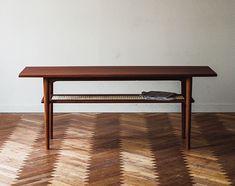【正規情報】H.W.F(エイチダブリューエフ)のリビングテーブルです。価格、サイズ、評判は国内最大級の家具・インテリアポータル TABROOM(タブルーム)でチェックください。