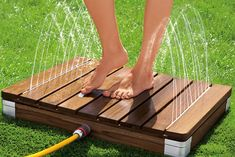 perfect before entering your pool Outdoor Pool, Outdoor Gardens, Piscina Diy, Decks Around Pools, Pool Deck Plans, Backyard Pool Landscaping, Outdoor Bathrooms, Diy Pool, Pool Accessories