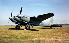 Mosquito PR Mark XVI, at Mount Farm, Oxfordshire, on being handed over to the USAAF. Aircraft Propeller, Ww2 Aircraft, Fighter Aircraft, Military Aircraft, Fighter Jets, De Havilland Mosquito, American Air, Ww2 Photos, Ww2 Planes