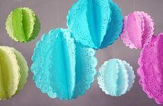 Guirnaldas con blondas de papel