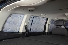 Thermal darkening system: complete for VW Touran I until The multilayered thermo-mats darken the interior room in an optimal way and additionally isolate - both in summer and in winter. Each darkening mat is tailored to the shape of the. Volkswagen Touran, Minivan, Seat Alhambra, Rear Mirror, Vw Sharan, Rear Window, Van Life, Car Seats, Vans