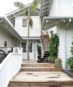 And for my current case of exterior envy, there's this gorgeous home found smack dab in the middle of paradise. Coastal Cottage, Coastal Homes, Hamptons House, Facade House, Lounge, House Goals, House Front, House Colors, Exterior Design