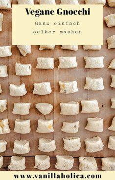 Vegane Gnocchi selber machen // Einfaches veggies Kartoffel Gnocchi Rezept auf VANILLAHOLICA.com Vegan leben und vegan essen ist heut zutage kein Problem mehr. Man muss auf nichts verzichten, ist tierfrei und ganz ohne schlechtem Gewissen. Ich habe mich nun an vegane Gnocchi getraut und habe hier eine Anleitung für vegane Gnocchi selber machen erstellt. Ein leichtes, schnelles und vor allem einfaches Rezept für leckere Gnocchi. Foodblogger, Vegan Recipes, Dairy, Cheese, Gnocchi Recipes, Guilty Conscience, Vegan Dinner Recipes